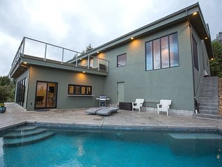 Modern Home Overlooking Ukiah Valley