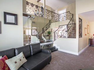 Beautiful And Spacious Remodeled Home with Pool & Spa