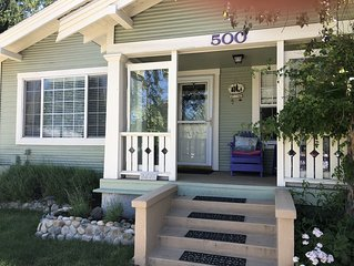 Fall * Sunday - Thursday $99.00 Licensed & Insured. Downtown Shasta Cottage