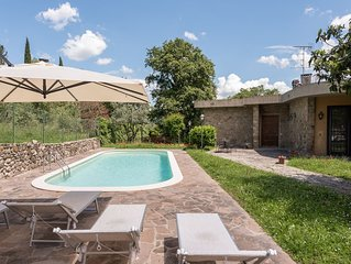 Villa Ballodole II  with swimming pool in Florence