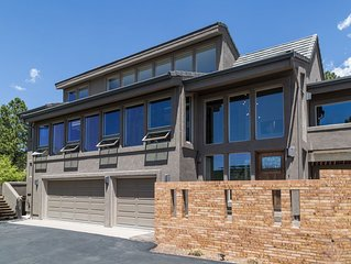 Close To Everything, Private, With Unparalleled Views Of Pikes Peak!!!