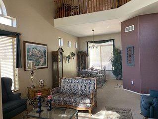 MESA-LAS SENDAS. Fabulous location! Private, homey and family/pet friendly!