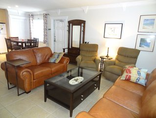 Pompano Beach Fort Lauderdale Brentwood Condo 10 minute walk to the Beach