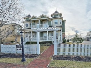 CHARMING HOME IN HEART OF BEACH HAVEN LBI!
