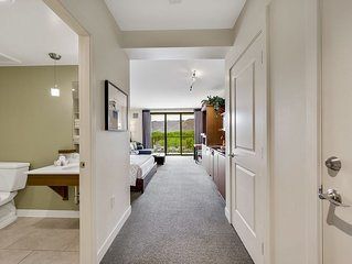 Beautiful contemporary resort studio condo gorgeous mountain and sunset view