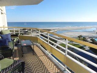 3BR/3BA Ocean View-Spacious Corner Unit! Huge Balcony!