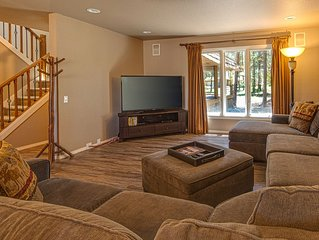 Spacious dog-friendly home with game room, private hot tub & SHARC access!