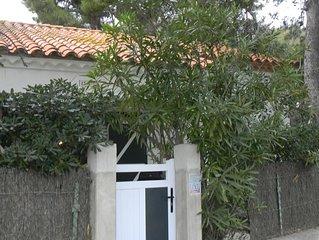 Maison de charme avec jardin,proche de la plage et à l'abri de la falaise .