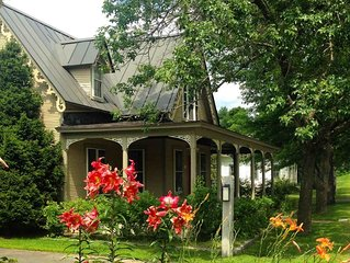 Historic Maple Street Dairy-Charm and Convenience in Stowe Village