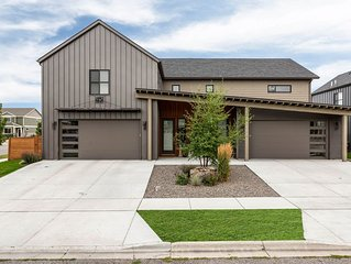 Luxury Living and Mountain Views within Minutes of Downtown Bozeman