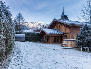New 4 Double Bedroom En-suite Chalet- Breathtaking Mont Blanc Views From Hot Tub