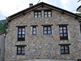 Casa rural (alquiler íntegro) El Colladín para 9-10 personas