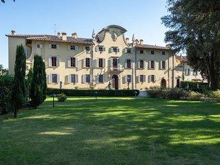 Villa a Ronta con 13 camere da letto e 26 posti letto