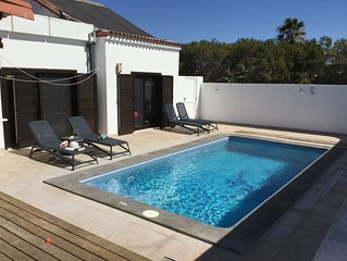 3 bed/3 bath Villa, Private Heated Pool, Hot/Cold Air-Con, Wifi, Ful UK TV.