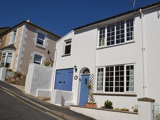 Smugglers - pretty cottage in quiet street in town, with easy access to beach