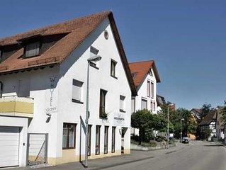 Einzelzimmer mit WC und Dusche/Bad - Hotel Hirschengarten