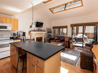 1 Alpine Terrace: 1 BR / 2 BA condominium in Incline Village, Sleeps 7