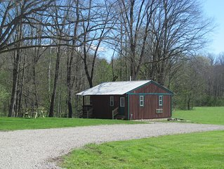 Little cabin on the creek-Hocking Hills area