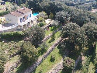 Villa dans un cadre idylique avec piscine securisee