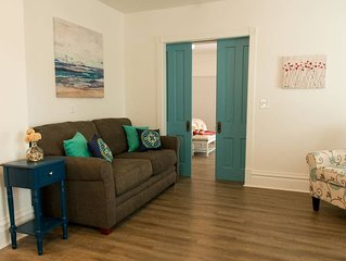 The Corner Suite - Modern Comfort In The Heart Of Downtown Sturgeon Bay