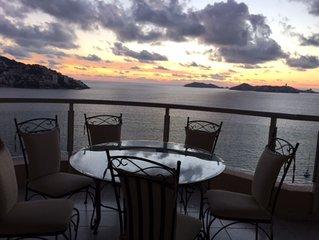 Magnificent Acapulco Beachfront Penthouse