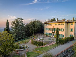 Exclusive Villa 18th century, with pool. Fine winery in Chianti central Tuscany