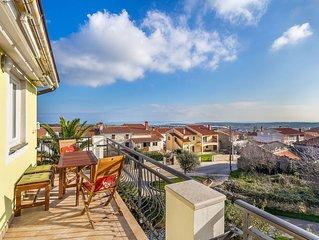 Komfortable Ferienwohnung mit WLAN, Klima, Parkplatz, Balkon und Meerblick