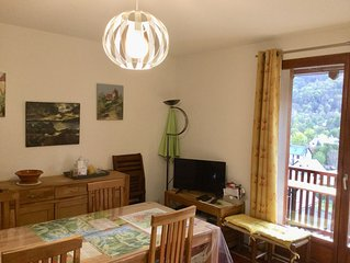 Loudenvielle, rents pleasant apartment in sunny chalet.