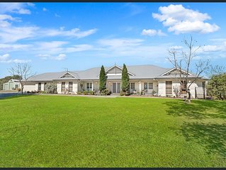 The Wrightstar Country Estate - spectacular mountain views