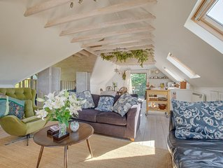 Blackthorn Barn - One Bedroom House, Sleeps 2