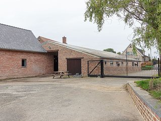 Beautifully renovated farmhouse for groups, with indoor pool and sauna