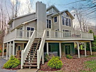 Lake access, large deck, hot tub, community tennis & pool access!