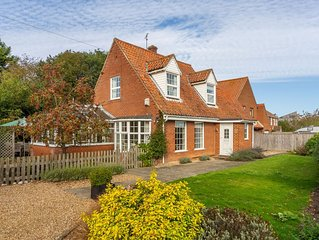 A beautifully refurbished detached house in a central yet very peaceful position