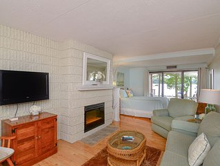 105A efficiency style recently updated condominium, patio area just a few steps