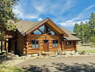 Brand New Cabin at the Custer Park Entrance