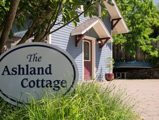 The Ashland Cottage, walk to town