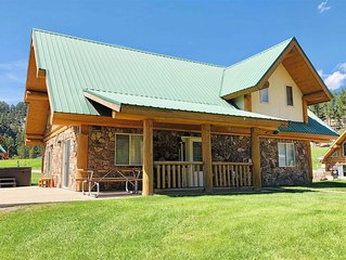 Cozy Furnished Log Vacation Home Near Stream with Mountain Views