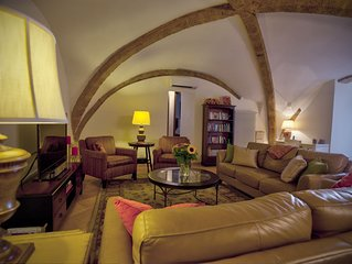 Fully Restored Lg. Apt in a 16th Century Palace Orvieto Center