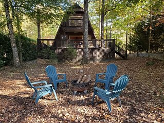 Cozy Lakefront Cabin Rental