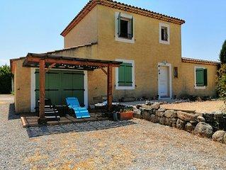 Villa provençale en campagne Aixoise,calme et ensolleillée 10 à 11 personnes .
