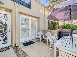 Lovely, dog-friendly condo w/ a patio - close to beach & town