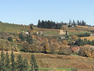 3 Master Suites! Exquisite Oregon Wine Country Experience