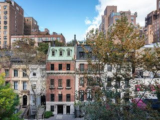�Quintessential Townhouse Apartment Upper East Side Historic District �