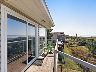 NEW LISTING! Oceanfront motel suite w/ wonderful views, deck & kitchen - dogs OK