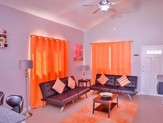 2Bedroom*King Size Bed* Swimming Pool *Gated*Secure