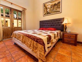 Hermosa Casa en Condominio - Antigua Guatemala