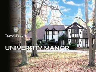 University Manor (luxury retreat near MSU Campus)