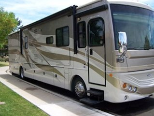 Unique RV experience with Amazing Mountain Views