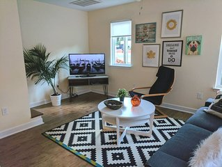 Spacious 3 bedroom/3 bathroom townhome minutes from Uptown Charlotte.