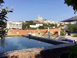 Marseille centre, superbe maison avec piscine, jardin, vue mer et Bonne Mere